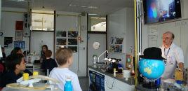 - Estudantes do 3º ano analisam a mistura das cores na luz
