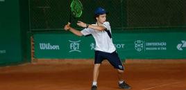 4397:Estudante convocado pela Seleção Brasileira de tênis