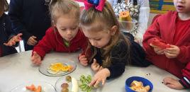 3973:Frutas em formas divertidas para estimular alimentação saudável