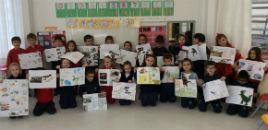 - Crianças do Nível 5B apresentam painéis sobre os dinossauros