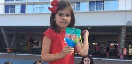 4099:Turmas do 1º ano criam brinquedos com materiais reciclados