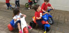 4101:Crianças do Nível 1B fazem passeio sobre rodas