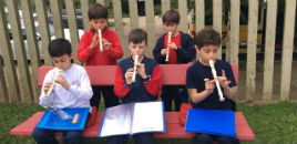 4600:Aprendendo a tocar diferentes instrumentos musicais