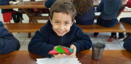 4566:Turmas do 1º ano do Correia Lima produzem bolo colorido