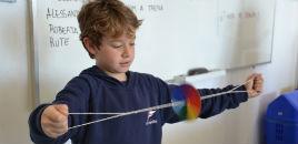 - Estudantes do 3� ano constroem o Disco de Newton