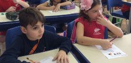 - Estudantes produzem material sobre coluna vertebral