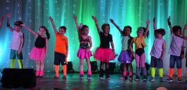 4877:Crianças do Nível 5 embarcam em uma viagem musical