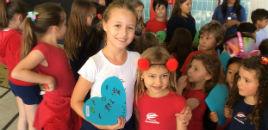 4074:Crianças do Nível 4 distribuem 'gentilezas'