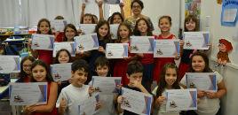 - Leitores competentes dos 3º anos recebem certificados