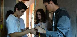 4047:LAR: Estudantes finalizam instalações elétrica e hidráulica
