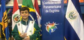 4595:Medalha de bronze em campeonato de esgrima