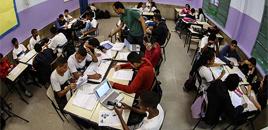 - Ensino híbrido transforma aula de história no Rio