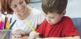 1425:Quando é bom ou ruim ajudar os filhos com a lição de casa?