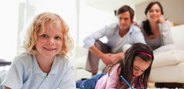 - Escola não tem poder de substituir educação que vem de casa