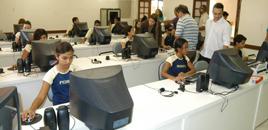 - Em escola líder de Belo Horizonte, bons alunos ajudam quem vai mal