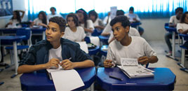 - Educadores defendem diversificação de conteúdo