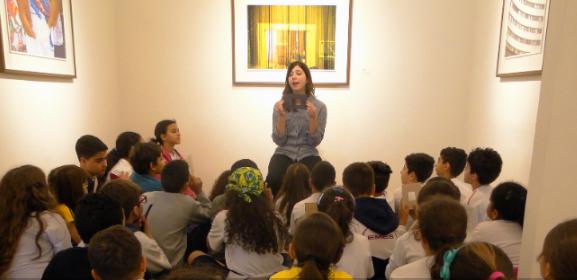 - Atividades educativas a partir de exposições de arte