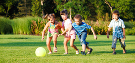 - Crianças precisam brincar mais e comprar menos, diz especialista